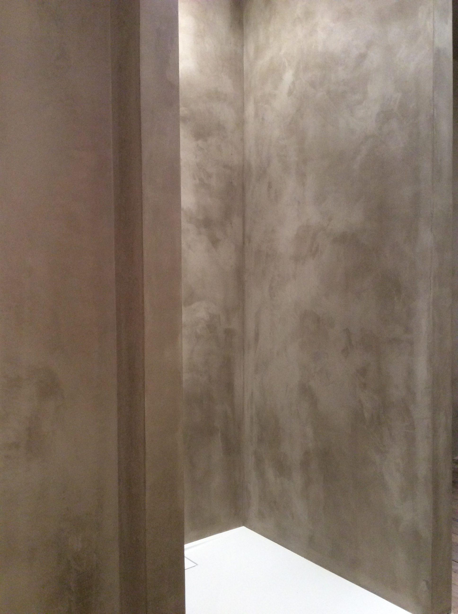 béton ciré de chaux ; béton ciré naturel ; yonne ; béton Puisaye ; Treigny ; Isol Naturel ; béton ciré à la chaux ;béton ciré dans une cabine de douche ; béton ciré dans la douche ; douche contemporaine ; douche sans joint ; une touche contemporaine dans la salle de bains ; béton ciré dans la salle de bain ; béton sur les murs ; rénovation de douche ; cabine de douche moderne ; béton ciré dans intérieur ancien ; vieille maison ; revêtement de douche